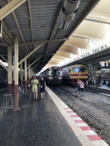 travel-thailand-bangkok-ayutthaya-railway-station